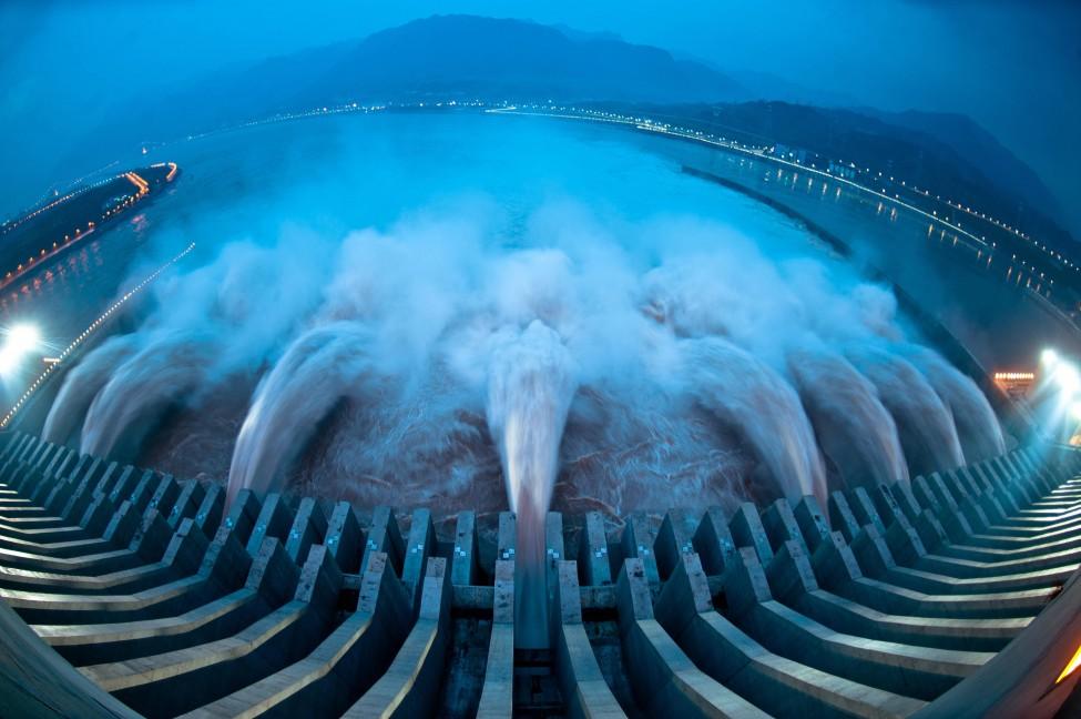 afp_china_flood_24Jul12-975x648